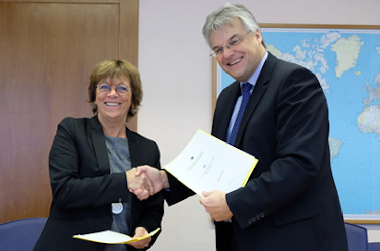 Photo: Ambassador Hans-Peter Jugel, Germany's deputy envoy to the United Nations in Geneva, and UNCTAD Deputy Secretary-General Isabelle Durant signed the official funding document on 22 November 2018.