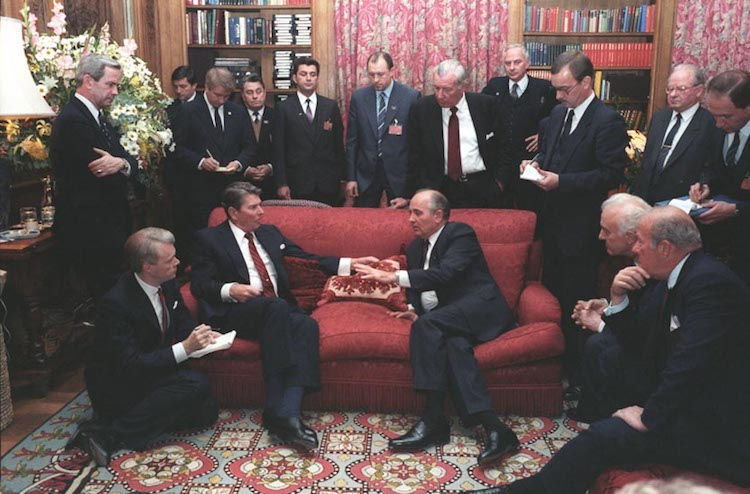 Photo: The United States Strategic Defense Initiative (SDI) was high on Gorbachev's agenda at the Geneva Summit in November 1985. Source: Wikimedia Commons.