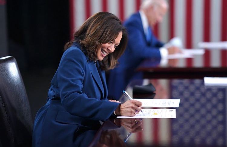 Photo; Kamala Harris and Biden signing paperwork to officially get on the ballot in all 50 states. Source: @KamalaHarris