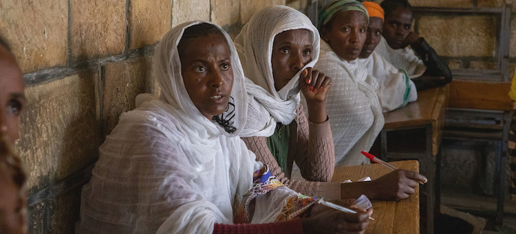 Photo: Displaced people in Adigrat town, in the Tigray region of northern Ethiopia. © UNICEF/Zerihun Sewunet