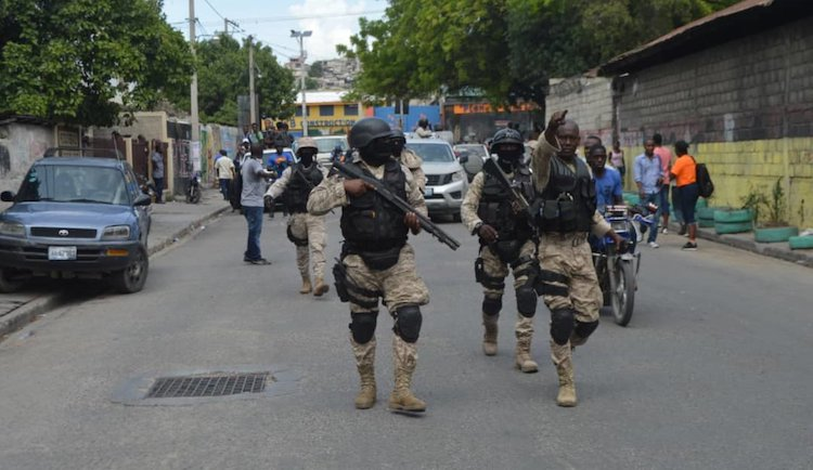 Photo: Haitian National Police units have been having a tough task containing the outbreaks of violence and looting, restore order and freedom of movement. Credit: Guestonn Fermy / PNH 2019