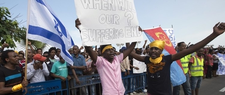 Photo: African Asylum seekers protesting against Israel's decision. Credit: chikaoduahblog
