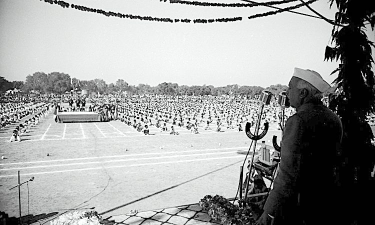 Photo: Prime Minister Jawaharlal Nehru addressing a mass audience. Source: IISG/Flickr (CC BY-SA 2.0)