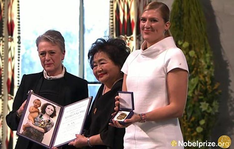 Photo: ICAN, represented by Setsuko Thurlow and Beatrice Fihn, receives the Nobel Peace Prize Medal and Diploma from Berit Reiss-Andersen of the Norwegian Nobel Committee, during the award ceremony in Oslo. Copyright: Nobel Media AB 2017.